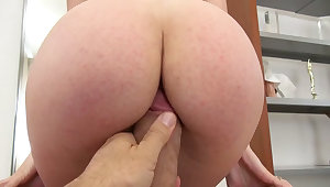 Mirror sex gives this bootyfull whore the confidence to fuck better